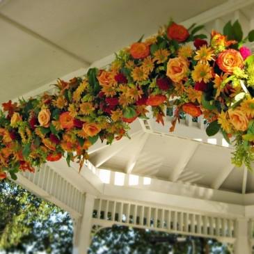 Декорирование искусственными цветами
